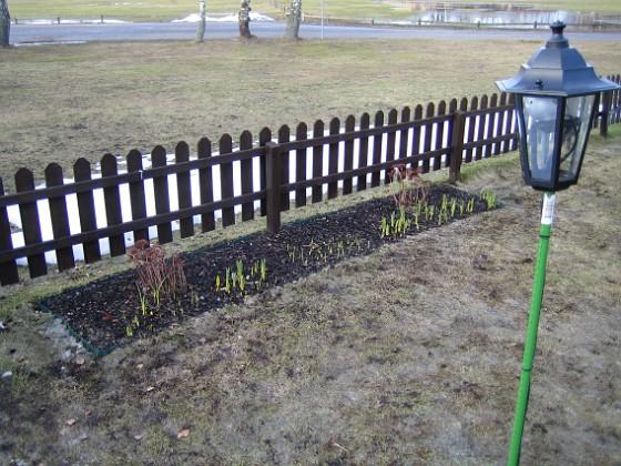 Staketet En kamerastolpe i förgrunden.&nbsp 2006-04-01 Bild 014 Granudden Färjestaden Öland
