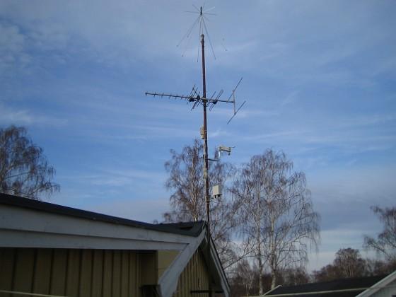 Väderstation Antennmast med min nymonterade väderstation LaCrosse WS-3600. 2006-04-01 Bild 020 Granudden Färjestaden Öland