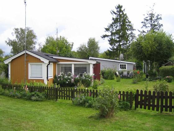 Granudden Välkommen till Granudden. Så här ser det ut efter att jag klippt gräset.&nbsp 2008-08-16 Bild 001 Granudden Färjestaden Öland