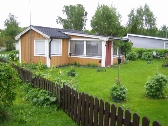 Granudden Blött är ordet. Gräset klippte jag igår.&nbsp 2013-05-26 IMG_0001 Granudden Färjestaden Öland