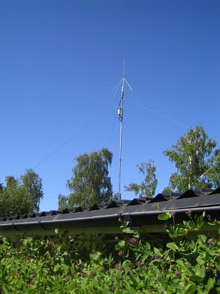 Radioantenn Här ser vi ATUn till min kortvågsantenn. 2015-06-05 IMG_0126 Granudden Färjestaden Öland