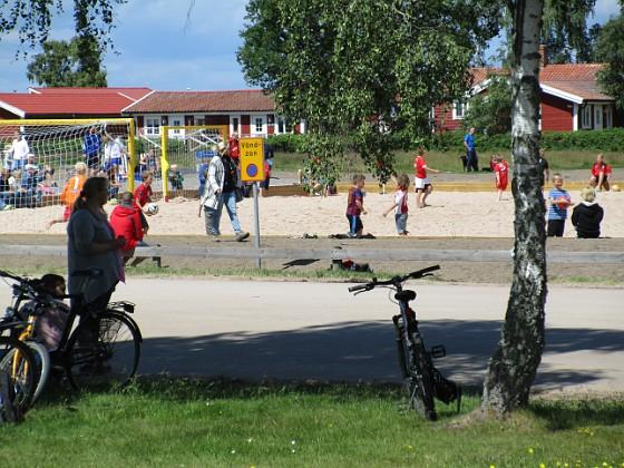 Beachfotboll på Granuddens Badplats                                Här spelas det fotboll till discodunk!&nbsp 2016-06-11 Beachfotboll_Granudden_0056 Granudden Färjestaden Öland